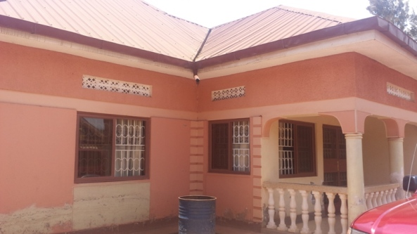 Entebbe Rd Home at 399 Million for Sale28