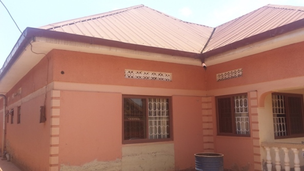 Entebbe Rd Home at 399 Million for Sale29
