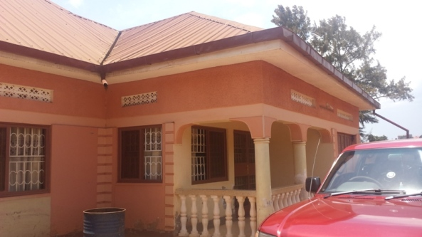 Entebbe Rd Home at 399 Million for Sale30