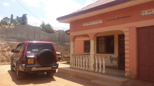 Entebbe Rd Home at 399 Million for Sale32